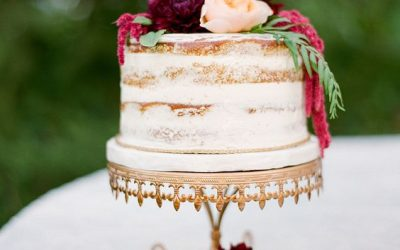 7 Gorgeous Cakes for an Intimate Wedding